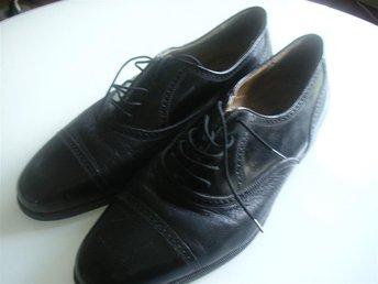 BALLY svarta läder skor st.11 - Kävlinge - BALLY svarta läder skor st.11 - Kävlinge