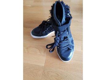 Nizza, Adidas, strl. 8,5 (368385601) ᐈ Köp på Tradera