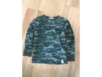 Tröja Kappahl stl 122128 långärmad T shirt militär armégrön camouflage