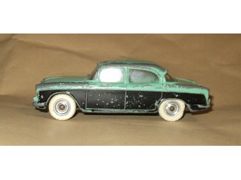 Dinky Toys 165 / Humber Hawk / England