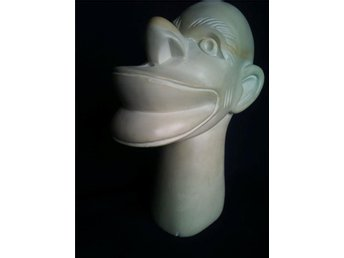 ANTIQUE AFRICAN HEAD formed in white stone 1930-40´s