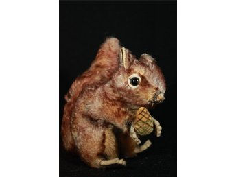 "Steiff ""Perry"" The Squirrel Walt Disney ca 1950 med STEIFF KNAPP***"