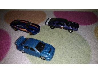 bilar 2st hot wheels och 1st majorette