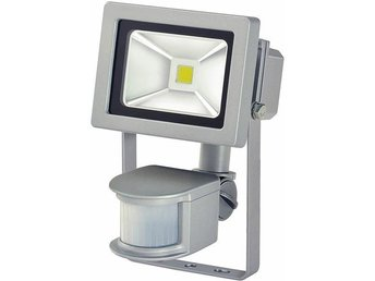 Brennenstuhl utomhuslampa med rörelsevakt, 10W, 700lm, 12m, IP44, grå - Höganäs - Brennenstuhl utomhuslampa med rörelsevakt, 10W, 700lm, 12m, IP44, grå - Höganäs