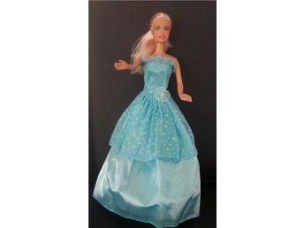 Barbie klänning prinsessklänning prinsess Bal Turkos med silverstänk - Alnö - Barbie klänning prinsessklänning prinsess Bal Turkos med silverstänk - Alnö