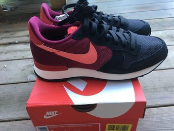 Nya Nike Internationalist 36,5