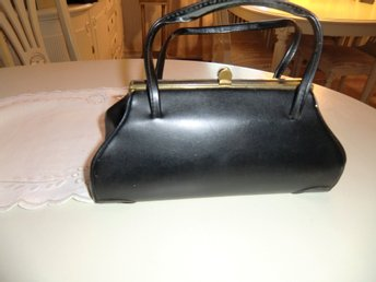Väska i svart galonplast med handtag 50 60 talet ,ROCKA BILLY RETRO VINTAGE