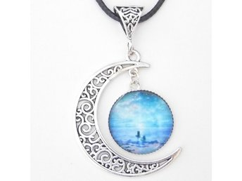 Havet måne halsband / The sea moon necklace