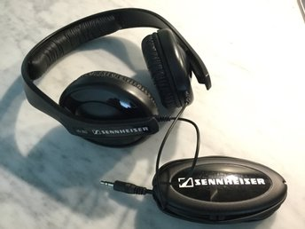 Sennheiser HD202 slutna over-ear hörlurar / headphone