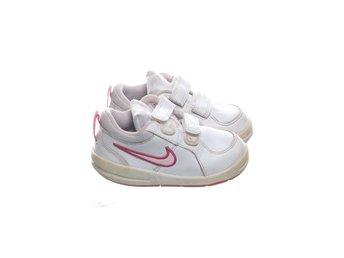 Nike, Sneakers, Strl: 23.5, VitRosa