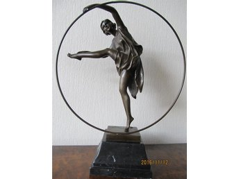 Skulptur i brons &quotGEORGIAN DANCER&quot Armand Godard 1kr