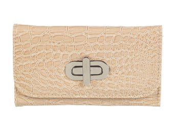 Javascript är inaktiverat. - Bolton - These Gorgeous Crocodile Leather purses have four compartments, will hold up to 8 cards, have a zip pocket for loose change and have a large clasp that keep it closed for easy opening & closing. ITEM SPECIFICATIONReal Patent LeatherSize: 15cm x 8 - Bolton