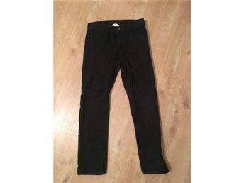 Svarta jeans strl 146 - Solna - Svarta jeans strl 146 - Solna
