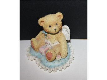 CHERISHED TEDDIES   LITTLE BUNDLE.........