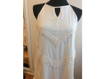 Vit benvit fodrad klänning med spets A linje fo.. (406280365