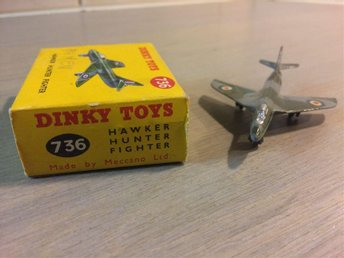 Dinky Toys 736  Hawker Hunter Fighter