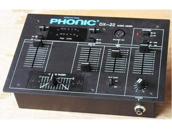 MIXER DX22 PHONIC