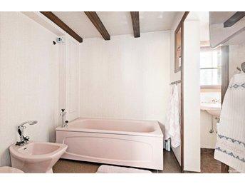 begagnade handfat toalettstolar bidé badkar