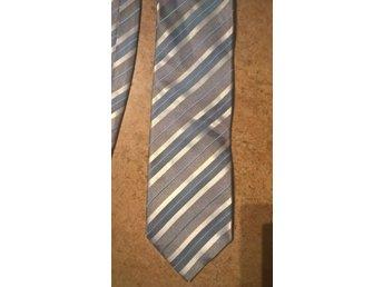 Slips med s hållare och m knappar. (342986943) ᐈ Köp på Tradera 2cffd5cf27d91
