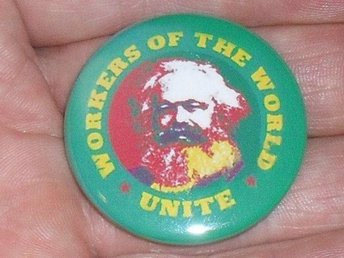 KARL MARX - 3,5 cm - Badge/ Pin /Knapp- (Socialism, Revolution, Engels,)