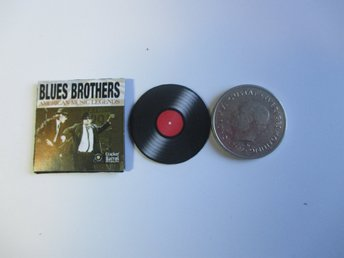 LP till dockskåp BLUES BROTHERS ( cant play, totally made of paper )