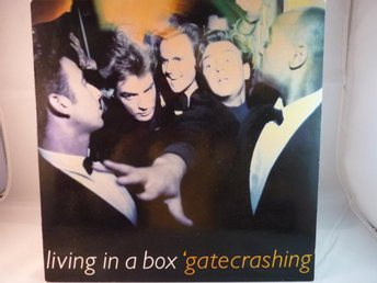 LIVING IN A BOX - GATECRASHING   ( LP / VINYL)