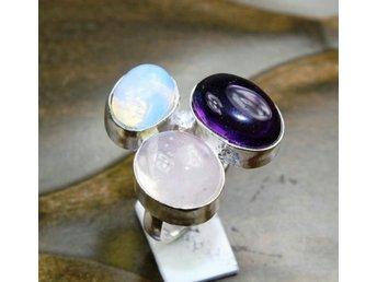 Vacker ring med rosenkvarts, ametist, opalit, strl. 17,5 - Hässelby - Vacker ring med rosenkvarts, ametist, opalit, strl. 17,5 - Hässelby