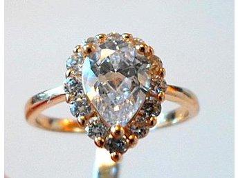 14 k gult guldfylld ring med cubic zirkonia, strl ca 15.5 - Märsta - 14 k gult guldfylld ring med cubic zirkonia, strl ca 15.5 - Märsta