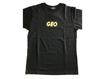 GEO, Still Here t-shirt, Strl: M, Färg: Svart, Skick: Ny - Enebyberg - GEO, Still Here t-shirt, Strl: M, Färg: Svart, Skick: Ny - Enebyberg