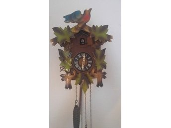 A VINTAGE CUCKOO CLOCK MADE IN WEST GERMANY
