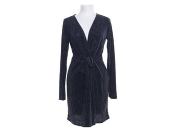 Köp NLY Trend Sparkling Lurex Dress Svart
