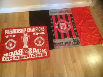 Manchester United Football Club flaggor, 93 och 94.