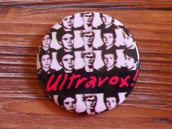 ULTRAVOX - Stor Badge / Pin / Knapp (Punk, John Foxx, 1977)