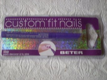Custom fit nails Lila Beter