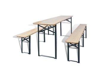 Javascript är inaktiverat. - Sk Venlo - Detta högkvalitativa set i trä består av ett ölbord och 2 tillhörande bänkar. Uppsättningen kommer skapa inbjudande sittplatser i trädgården eller på uteplatsen. Bordet och bänkarna kan fällas ihop för att spara plats. Setet är ti - Sk Venlo