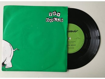 "Toy Dolls ""Nellie The Elephant"" 1984 NM EXC"