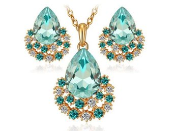Pear Cut Light Green Cubic Zircon Pendant Necklace Earring Set S1639