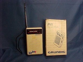 Grundig HIT BOY portable radio 12 x 7 x 3 cm med originalkartongen