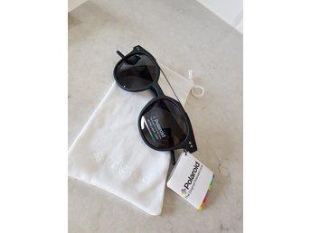 Javascript är inaktiverat. - Uppsala - Solglasögon från Polaroid Se bild på skalmen för att se storlek. Helt nya. - Uppsala