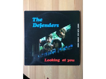 THE DEFENDERS Looking at you SONET DEN- *RED LABEL*
