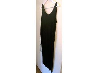 886b158a87ec Svart basic långklänning / maxiklänning i enkel.. (346748549) ᐈ Köp ...