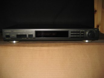 TECHNICS STEREO SYNTHESIZER TUNER ST-GT350