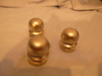 12 st knoppar finish mattborstad zink. diameter 23 mm. - Norrtälje - 12 st knoppar finish mattborstad zink. diameter 23 mm. - Norrtälje
