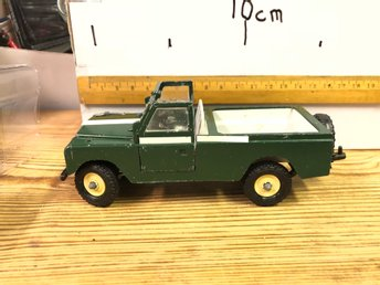 Land Rover  1:32  Britains