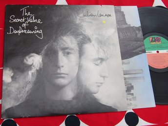 JULIAN LENNON - THE SECRET VALUE OF DAYDREAMING LP 1986