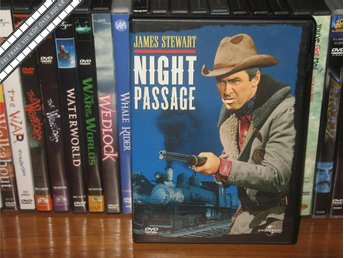 NIGHT PASSAGE - James Stewart, Audie Murphy *UTGÅNGEN DVD* - Svensk text - åmål - NIGHT PASSAGE - James Stewart, Audie Murphy *UTGÅNGEN DVD* - Svensk text - åmål