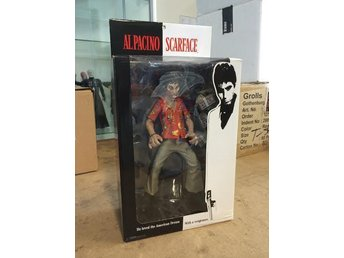 "Scarface / Tony Montana - ""The Runner"" - 9 inch - Mezco - Oöppnad"