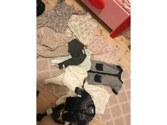 Javascript är inaktiverat. - Härnösand - Newbie klädespaket storlek 62/686 par tights/byxor 2 klänningar 3 bodys 1 pyjamas2 koftor allt är super fint skick!! - Härnösand
