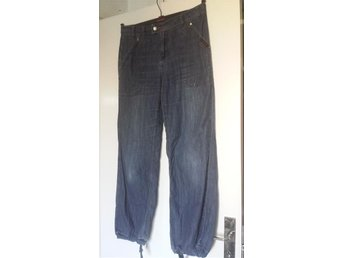 Jeans w 32 hot holiday baggy