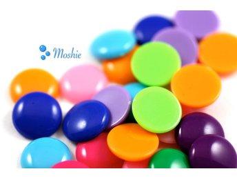 50 runda halvpärlor, 14 mm, cabochons, blandade färger. - örebro - 50 runda halvpärlor, 14 mm, cabochons, blandade färger. - örebro